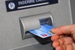 Scicli, preleva denaro al bancomat con la carta rubata: arrestato