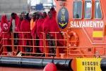 Sbarcata a Catania una nave tedesca con 403 migranti