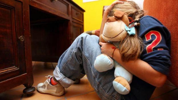 abusi su minori, croce rossa, pedofilia, scout, Caltanissetta, Cronaca