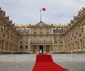 Macron vede gotha imprenditoria mondo, investite in Francia