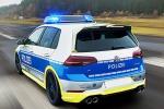 Con la Golf R 400 Cv nessuno sfugge all'alt della Polizia
