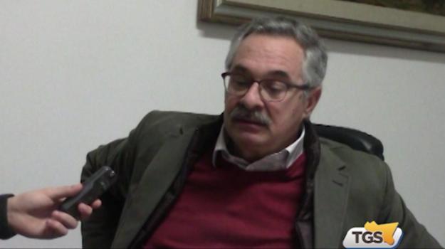 """Il sindaco di Carini: """"Le grandi città saturano le discariche"""""""