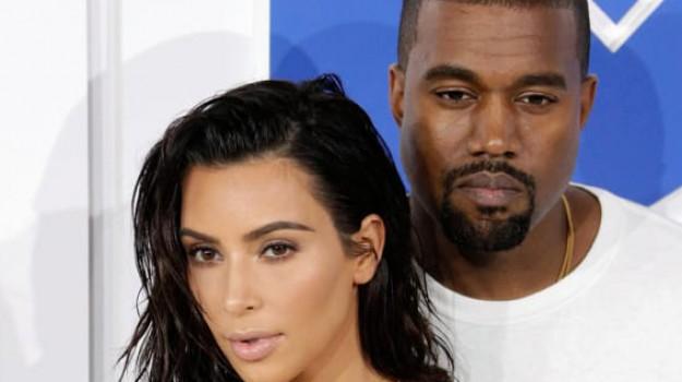 Kanye West, Kim Kardashian, Sicilia, Società