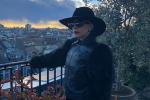 Lady Gaga in tour a Milano, l'artista si rilassa tra le vie della città - Foto