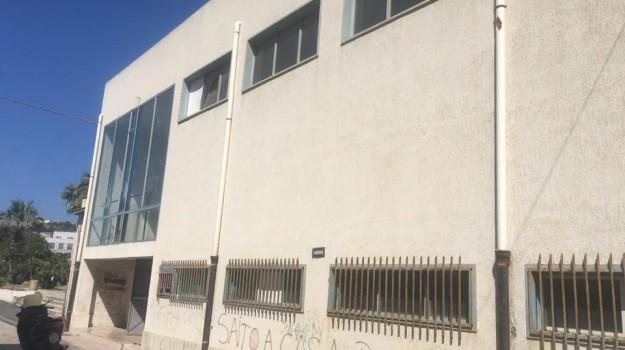 Palasport di Licata, Agrigento, Economia
