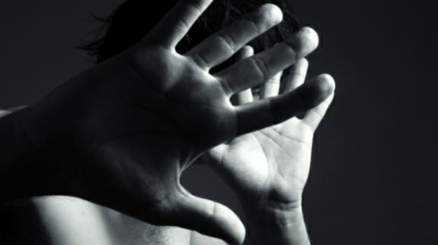 dodicenne violentata maletto, violenza sessuale maletto, Catania, Cronaca