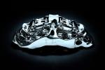 Bugatti realizza prima pinza freni in titanio con stampa 3-D