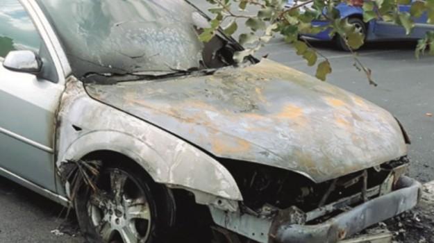 auto in fiamme villafranca, Agrigento, Cronaca