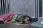 """""""I poveri sono la nostra speranza"""" Biagio Conte, terza notte per strada Il suo nuovo appello per gli ultimi"""