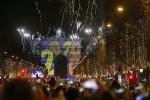 Dai fuochi di Sidney ai tuffi in Brasile, la festa per il Capodanno nel mondo in più di 100 foto