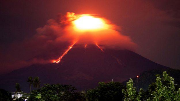 eruzione vulcano filippine, Sicilia, Mondo