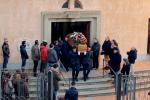Nicosia, il paese dà l'addio a Fabio