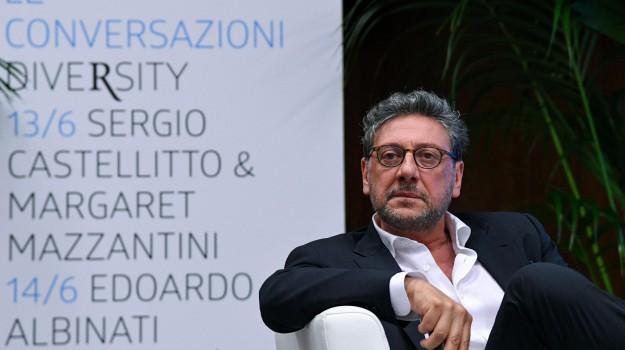 Sergio Castellitto, Sicilia, Società
