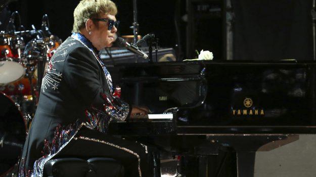 droga, Elton John, Freddy Mercury, Sicilia, Società