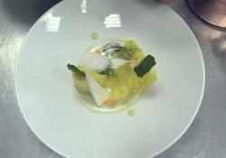 Lo chef Mimmo Di Raffaele mostra la sua ricetta per preparare l'albedo, la pasta di bianca tipica di questa varietà di agrumi