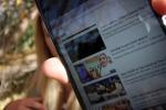 Il mea culpa della Youtuber che ha svelato l'iPhone X in Rete che ha causato il licenziamento del padre