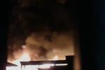 Incendio a Isola delle Femmine: fiamme danneggiano un villaggio turistico