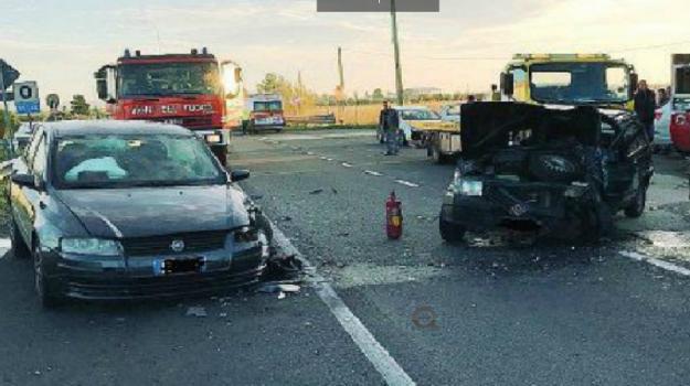 incidente ramacca, scontro auto a Ramacca, Ramacca, Catania, Cronaca
