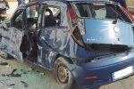 Con l'auto contro un muro: grave una ragazza a Marsala
