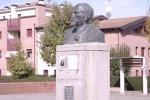L'unica statua di Lenin in Italia? A due passi da Reggio Emilia . Dove si celebra ancora la Rivoluzione d'Ottobre