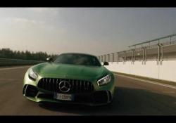 Mercedes sfotte Ferrari: il video-provocazione