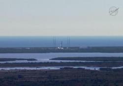 Nasa lancia razzo cargo SpaceX Dragon
