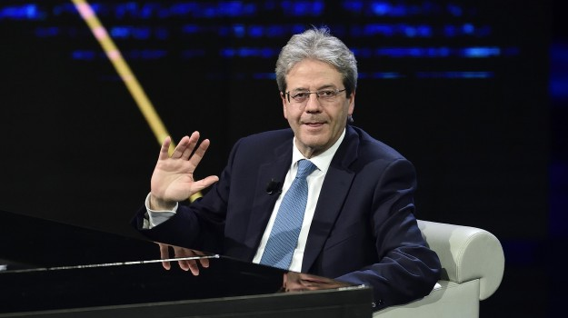 gentiloni siracusa, Paolo Gentiloni, Siracusa, Società