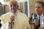 Papa Francesco in volo verso il Cile