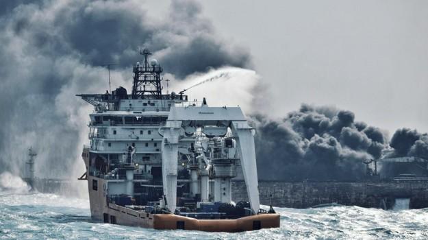 petroliera disastro ambientale cina, Sicilia, Mondo