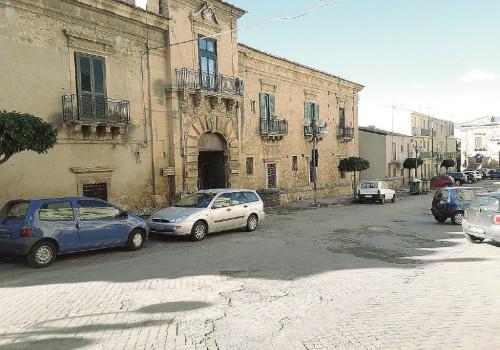 Leonforte piazza branciforti, Enna, Cronaca