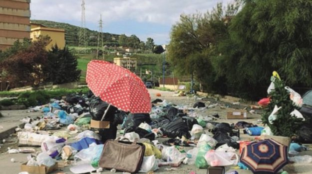 Porto Empedocle rifiuti strada, Agrigento, Cronaca