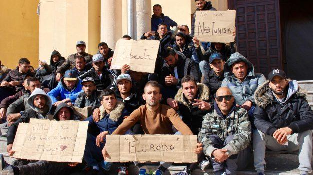 chiusura hotspot lampedusa, garante dei diritti, migranti, Agrigento, Cronaca