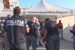 Migranti, traversata gratis per chi si offriva di guidare il barcone: fermati due scafisti a Pozzallo - Video