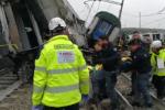 Il boato e le urla dei feriti: Milano, le immagini dei primi soccorsi - Video