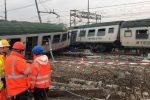 Milano, deraglia treno dei pendolari: muoiono 3 donne, 46 i feriti