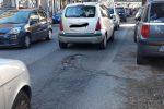 Troppe buche su viale Regina Elena a Messina, la denuncia - Foto