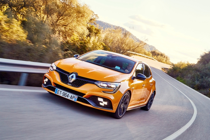 Renault debutta terza generazione sportiva megane r.s. giornale