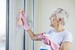 Giardinaggio e pulizie casa allenano anche cervello anziani