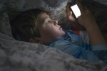 Telefonino compagno anche di notte, se Internet è malattia