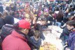 La sfilata di Carnevale invade le strade di Borgo Vecchio, bambini in maschera - Foto