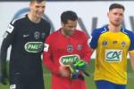 Psg, Trapp espulso: Dani Alves si improvvisa portiere - Video