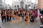 "Grande successo per i ""Giardinieri"" di Salemi al Carnevale di Venezia - Foto"