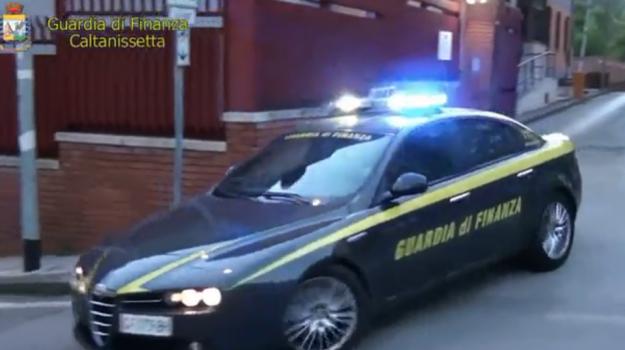 Tasse sui guadagni della prostituzione, scure della Finanza a Caltanissetta - Video
