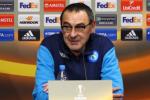 """Il Napoli vince ma agli ottavi va il Lipsia. Sarri: """"Noi come l'Olanda anni '70"""" - Video"""