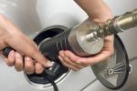 Italia prima in Europa per eco carburanti, male l'elettrico