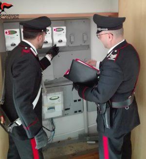 Negozio allacciato abusivamente alla rete elettrica, due arresti ad Acate