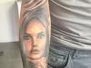 Aquilani si tatua sul braccio il volto della moglie Michela Quattrociocche - Video