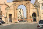 Pericolo crolli, transennato l'arco dell'Immacolata a Castelvetrano