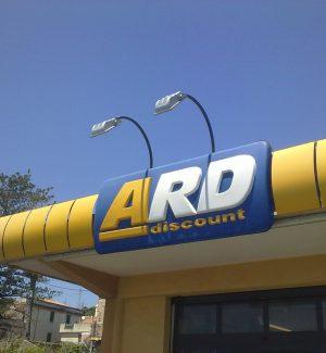 Dietrofront del Comune di Bronte, riaperti i supermercati Ard Discount e Good Shop
