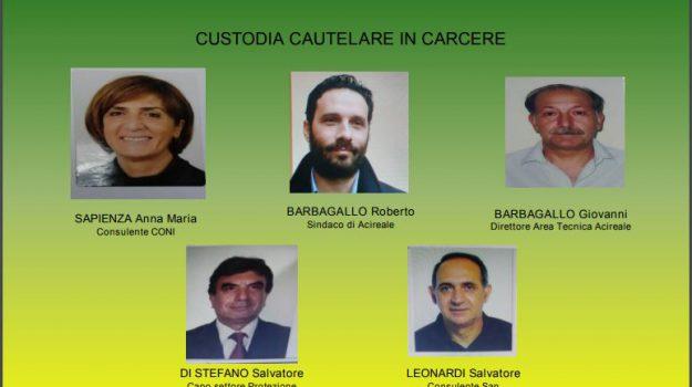 Corruzione, arrestati il sindaco di Acireale Barbagallo e altri sette - Nomi e foto